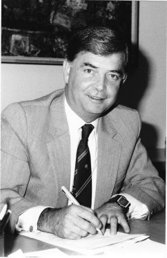 Signing the Commonwealth-State Medicare Agreement, January 1984.